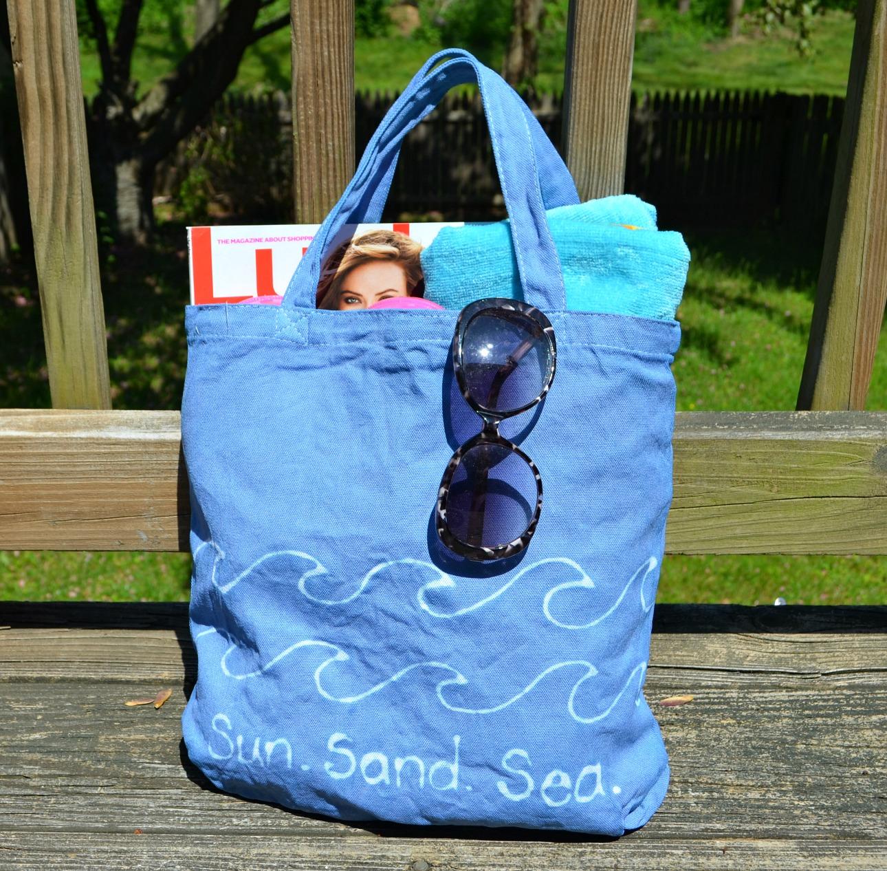DIY Beach Bag with Dye Resist Technique