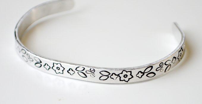 Floral Pattern Bracelet