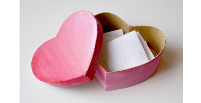 DIY Valentine Love Note Box