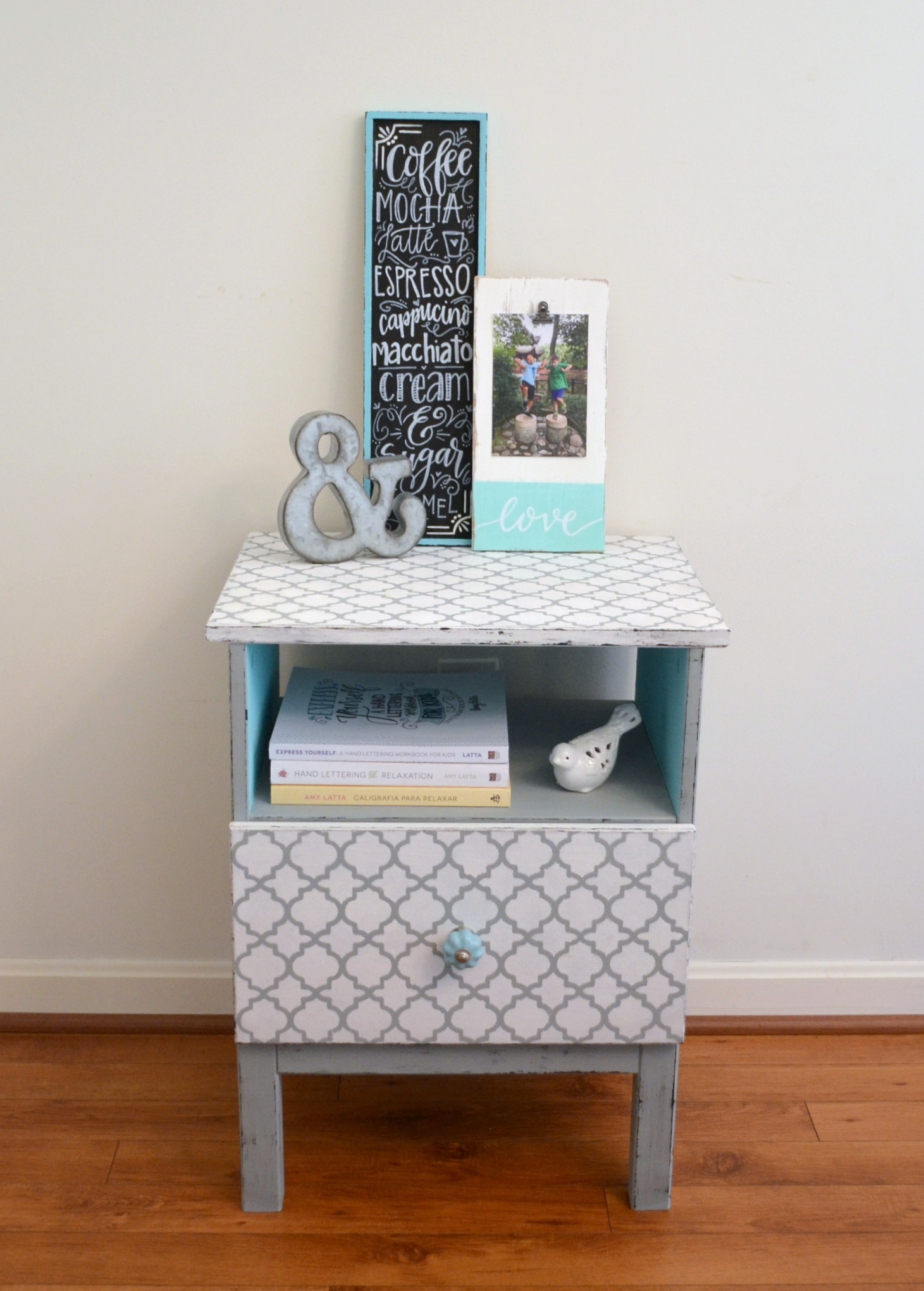 Wooden Nightstand Makeover